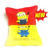 SQUARE PILLOW MINIONS 12X12_1